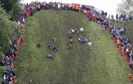 strange and uncommon sports cheese rolling